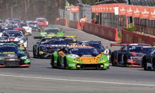 Départ. Au centre la Lamborghini (#63) victorieuse